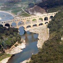 Vol Privatif en Hélicoptère - Survol du Pont du Gard