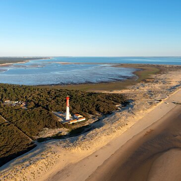 Baptême de l'air hélicoptère proche Aéroport de La Rochelle-Île de Ré