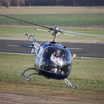 Vol d'initiation au pilotage en hélicoptère à Orléans