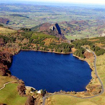 Baptême de l'air en hélicoptère (Volcans d'Auvergne)