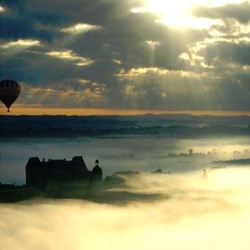 Hautefort, Dordogne (24) - Baptême de l'air montgolfière