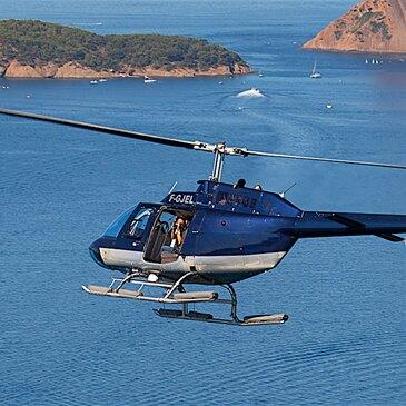 Baptême de l'air en hélicoptère (Plages Varoises)