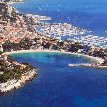 Baptême en Hélicoptère - Survol des Plages Varoises en région Provence-Alpes-Côte d'Azur et Corse