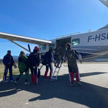 Saut en parachute, département Hautes Alpes