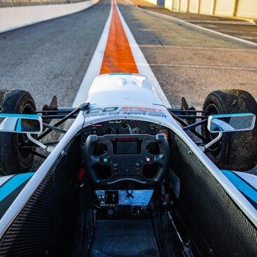 Stage de pilotage Formule Renault en région Languedoc-Roussillon