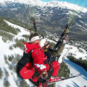 Baptême de l'air en parapente à skis (Pra Loup)  en région Provence-Alpes-Côte d'Azur et Corse