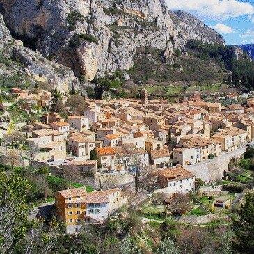 Vol en Montgolfière à Moustiers Sainte Marie en région Provence-Alpes-Côte d'Azur et Corse