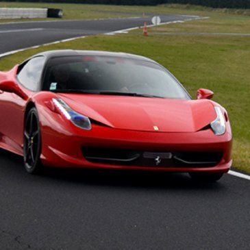 Stage en Ferrari 458 Italia - Circuit d'Issoire