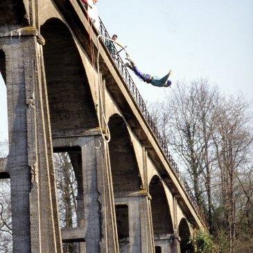 Viaduc de Saint-Georges-le-Gaultier, Sarthe (72) - Saut à l'élastique