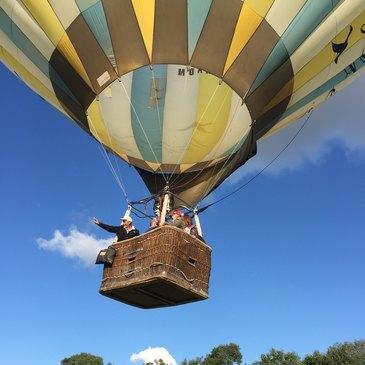Week end vol montgolfière au dessus de la Dombes  en région Rhône-Alpes