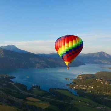 Vol d'initiation en montgolfière (Serre-Ponçon)