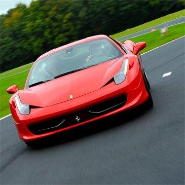Stage Pilotage Ferrari en région Provence-Alpes-Côte d'Azur et Corse