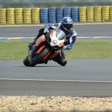 Stage Moto Demi-journée sur le Circuit Carole Paris