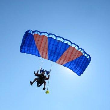 Réserver Saut en parachute en Aquitaine