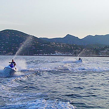 Randonnée en Jet Ski en baie de Cannes en région PACA et Corse