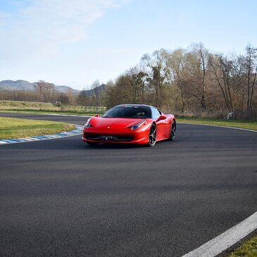 Stage en Ferrari 458 Italia - Circuit de Dijon-Prenois en région Bourgogne