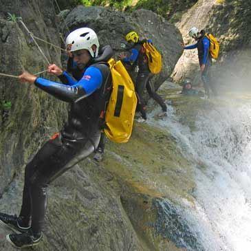 Descente sportive du Canyon de Mirava