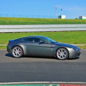 Stage de Pilotage Aston Martin - Circuit de Pont-l'Évêque