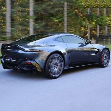 Stage Pilotage Aston Martin en région Poitou-Charentes