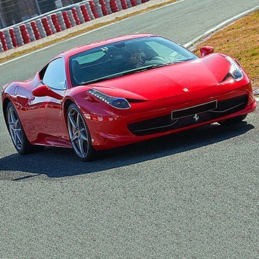 Stage de pilotage Ferrari en région Ile-de-France