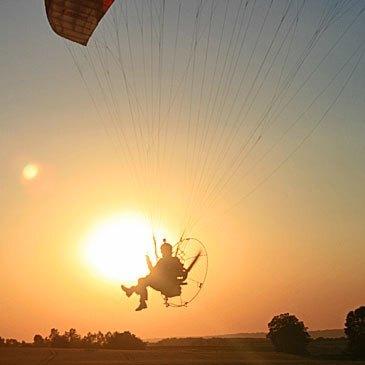 Courcité, à 30 min de Mayenne, Mayenne (53) - Baptême de l'air paramoteur