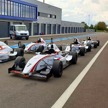 Stage en Formule Renault 2000 - Circuit de Dijon-Prénois