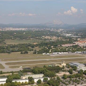 Vol Privatif en Hélicoptère - Survol de la Sainte-Victoire en région Provence-Alpes-Côte d'Azur et Corse