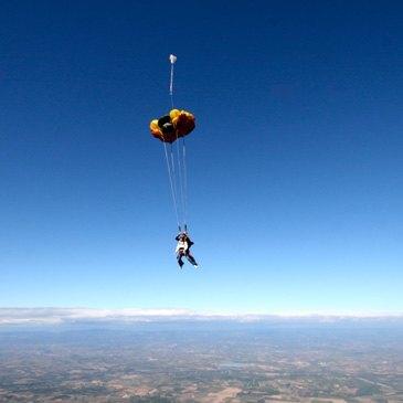 Saut en parachute proche Aérodrome d'Aubenas, à 50 min de Montelimar