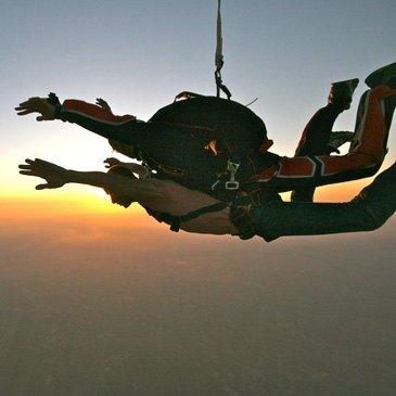 Saut parachute en tandem près de Montélimar en région Rhône-Alpes