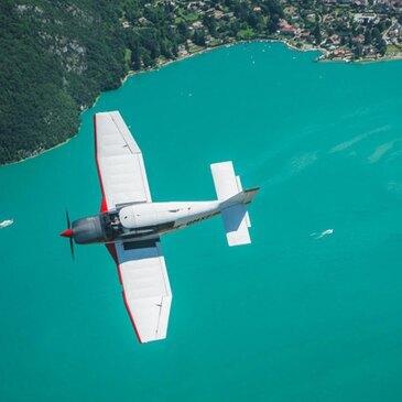 Baptême en Avion Survol - Lac d'Annecy et Aravis