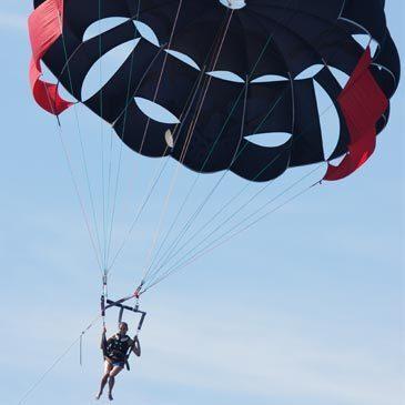 Flyboard et Parachute ascensionnel à Nice en région Provence-Alpes-Côte d'Azur et Corse