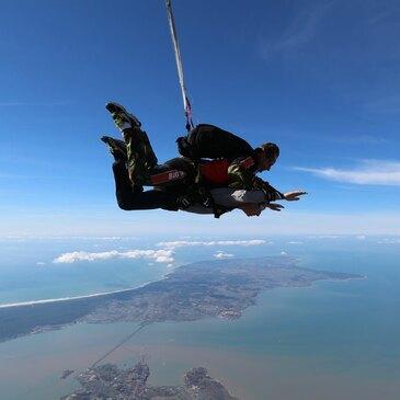 Saut en Parachute Tandem à Marennes Oléron