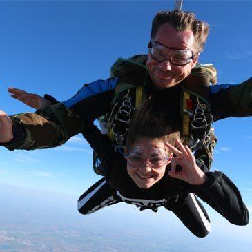 Aérodrome de Marennes, Charente maritime (17) - Saut en parachute
