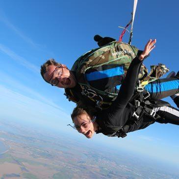 Saut en parachute proche Aérodrome de Marennes