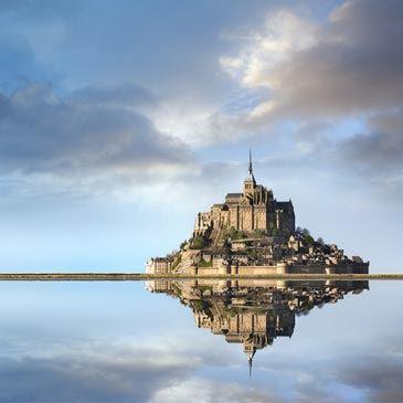 Voltige en Avion de légende au Mont Saint Michel