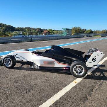 Stage de pilotage Formule 3 en région Provence-Alpes-Côte d'Azur et Corse