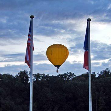 Vol en Montgolfière - Survol de Caen et du Calvados en région Basse-Normandie