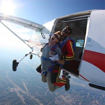 Saut en parachute en région Franche-Comté