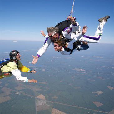 Saut Parachute en tandem dans les Landes
