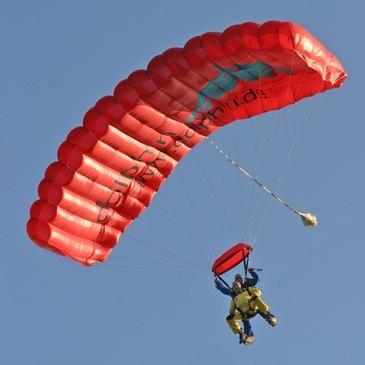 Aérodrome de Cerfontaine, Namur (WNA) - Saut en Parachute