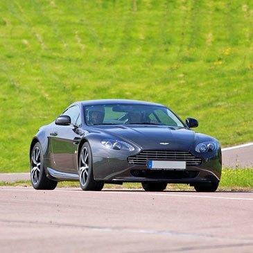 Stage de Pilotage Aston Martin - Circuit de Nogaro