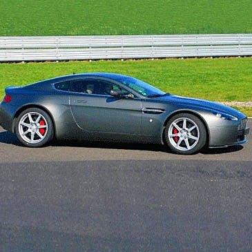 Stage de Pilotage Aston Martin, département Gers