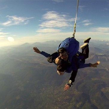 Garzigliana, Piémont (PMN) - Saut en parachute