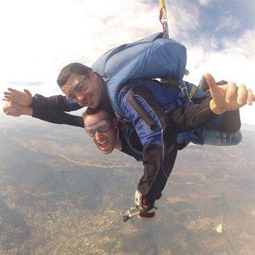 Saut en parachute proche Garzigliana