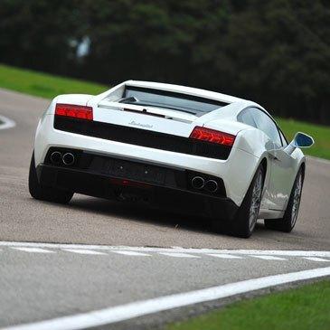 Stage de pilotage Lamborghini en région Rhône-Alpes