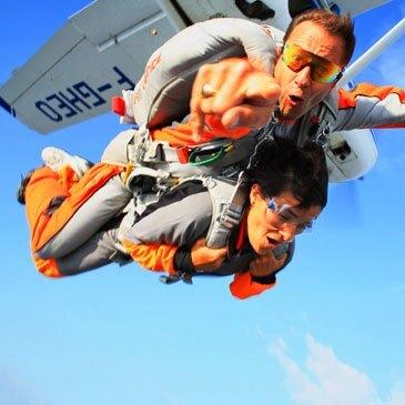 Saut en Parachute Tandem près d'Agen