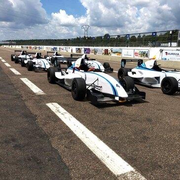 Stage de pilotage Formule Renault Circuit Chateau Gaillard