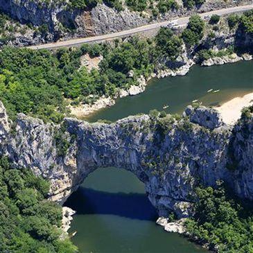 Baptême en Hélicoptère Survol des Gorges de l'Ardèche