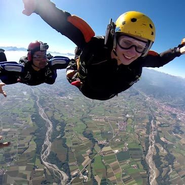 Saut d'Initiation en Parachute (Garzigliana-Italie)