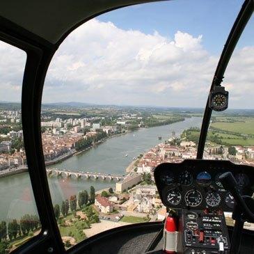 Vol initiation au pilotage en hélicoptère Mâcon